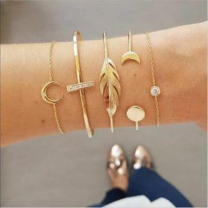 Jewelry - New Item✨ 5 pc Gold Boho Bracelet Set 💕